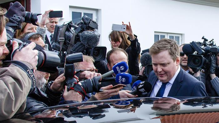 iceland PM resigns over panama papers